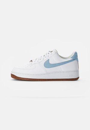 AIR FORCE 1 - Trainers - white/obsidian-white-black-volt