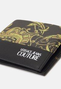 Versace Jeans Couture - RANGE REGALIA BAROQUE UNISEX - Portemonnee - nero/oro - 3