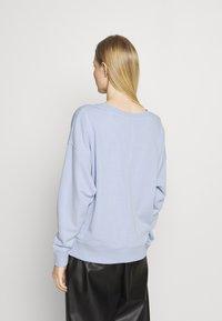 Tommy Hilfiger - OVERSIZED OPEN  - Sweatshirt - breezy blue - 2