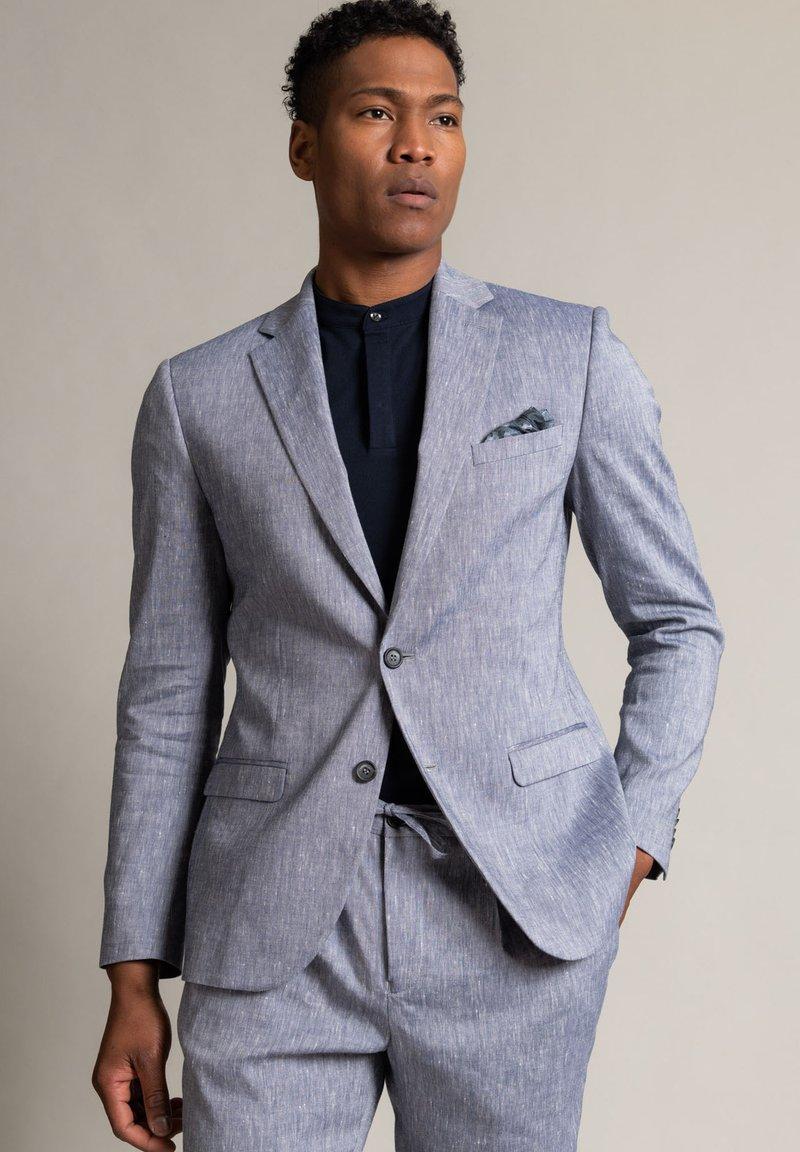 WORMLAND - Suit jacket - hellblau