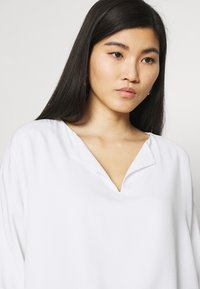 comma - Long sleeved top - white - 4