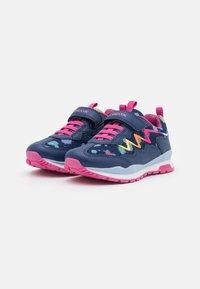Geox - PAVEL GIRL - Sneakers laag - navy/multicolor - 1