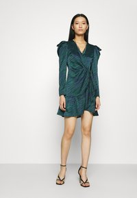 Who What Wear - WRAP OVER PARTY DRESS - Cocktail dress / Party dress - green - 1