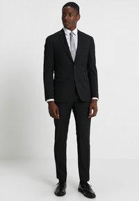Tommy Hilfiger Tailored - SLIM FIT SUIT - Oblek - black - 0