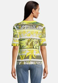 Betty Barclay - Print T-shirt - green/yellow - 2