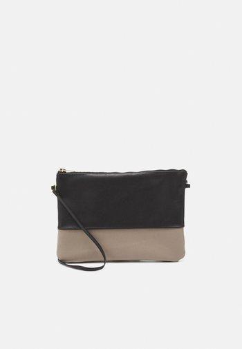 FOGGE - Across body bag - black/grey