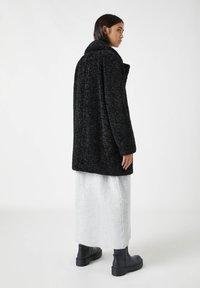 PULL&BEAR - Winter coat - mottled black - 2