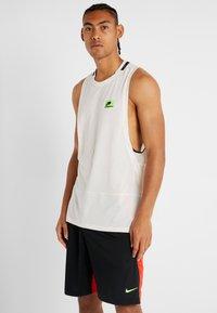 Nike Performance - DRY TANK  - Funktionströja - pale ivory/black - 2