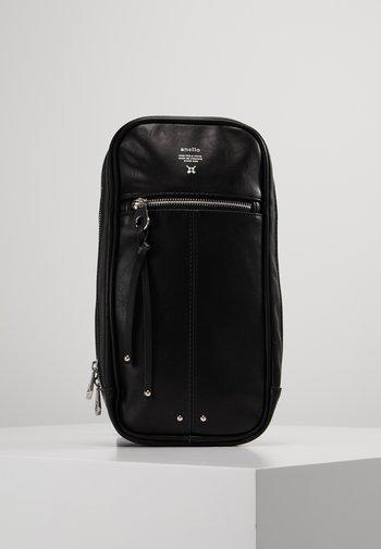1 STRAP CROSS BODY VEGAN - Across body bag - black