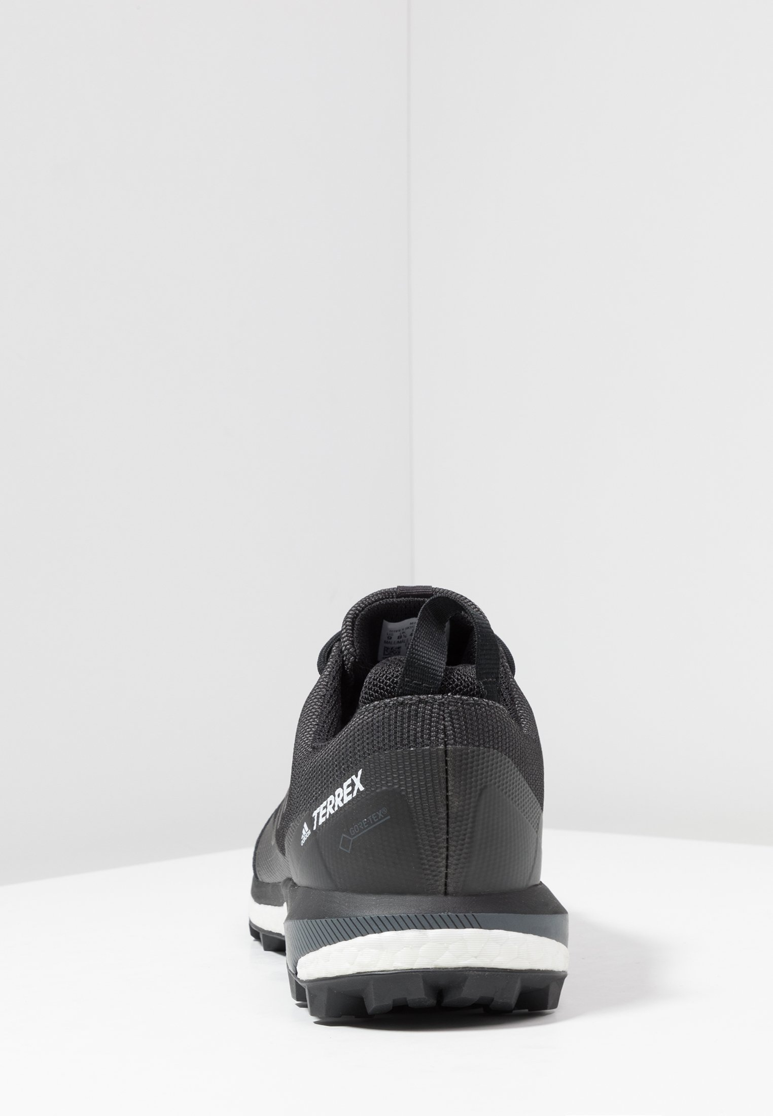 adidas Performance TERREX SKYCHASER LT GORE-TEX - Løpesko for mark - carbon/core black/grey four