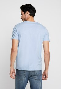Selected Homme - SLHMORGAN O-NECK TEE - Basic T-shirt - dream blue - 2