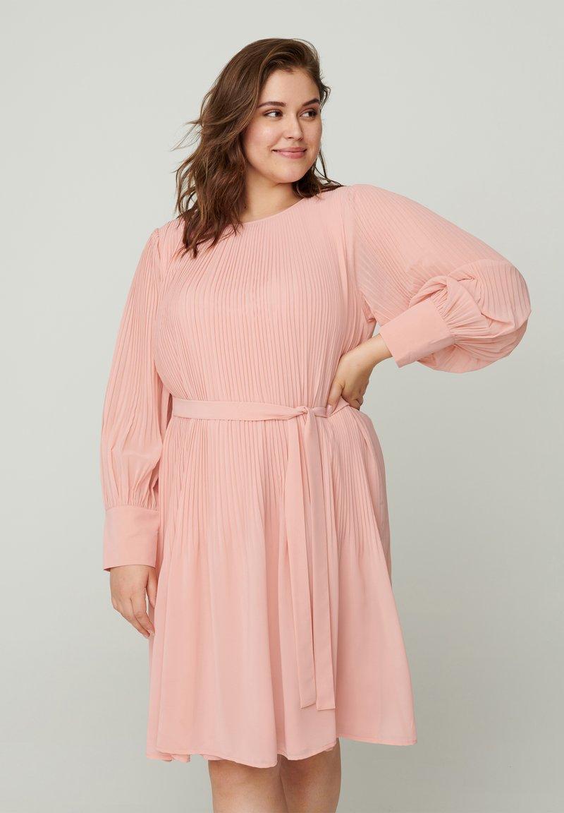 Zizzi - Day dress - rose