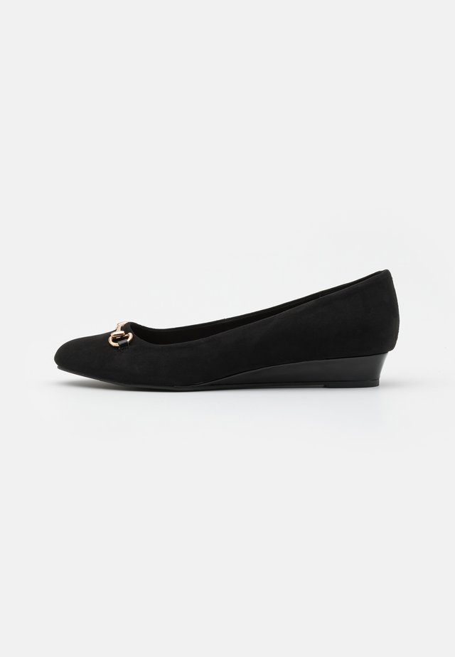 WIDE FIT PAULA MINI WEDGE COURT - Zeppe - black