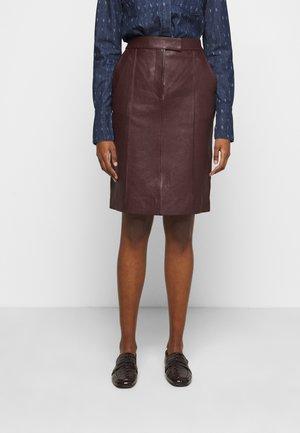 PANNEL BELTED SKIRT - Pencil skirt - deep maroon