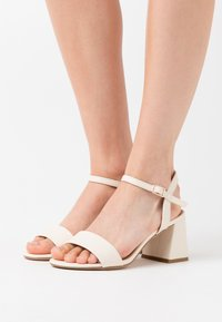 New Look - FLARE MID HEEL - Sandals - offwhite - 0