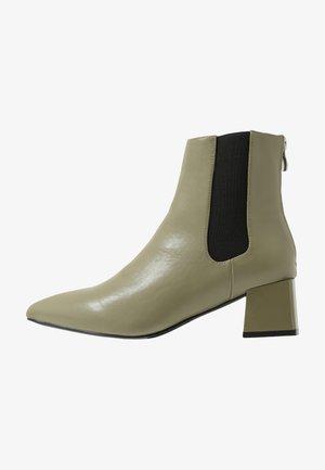 CARNY - Ankle Boot - khaki