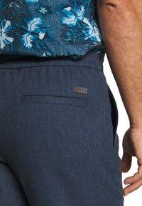 Lindbergh - WIDE PANTS ELASTIC - Trousers - dark blue mix - 4