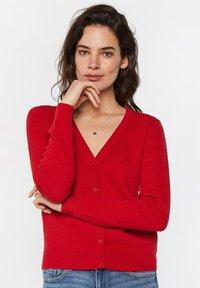 WE Fashion - Gilet - bright red - 0