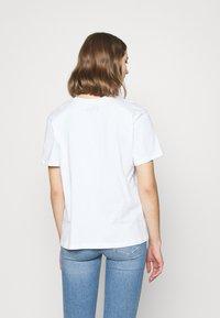 Even&Odd - T-shirt z nadrukiem - white - 2