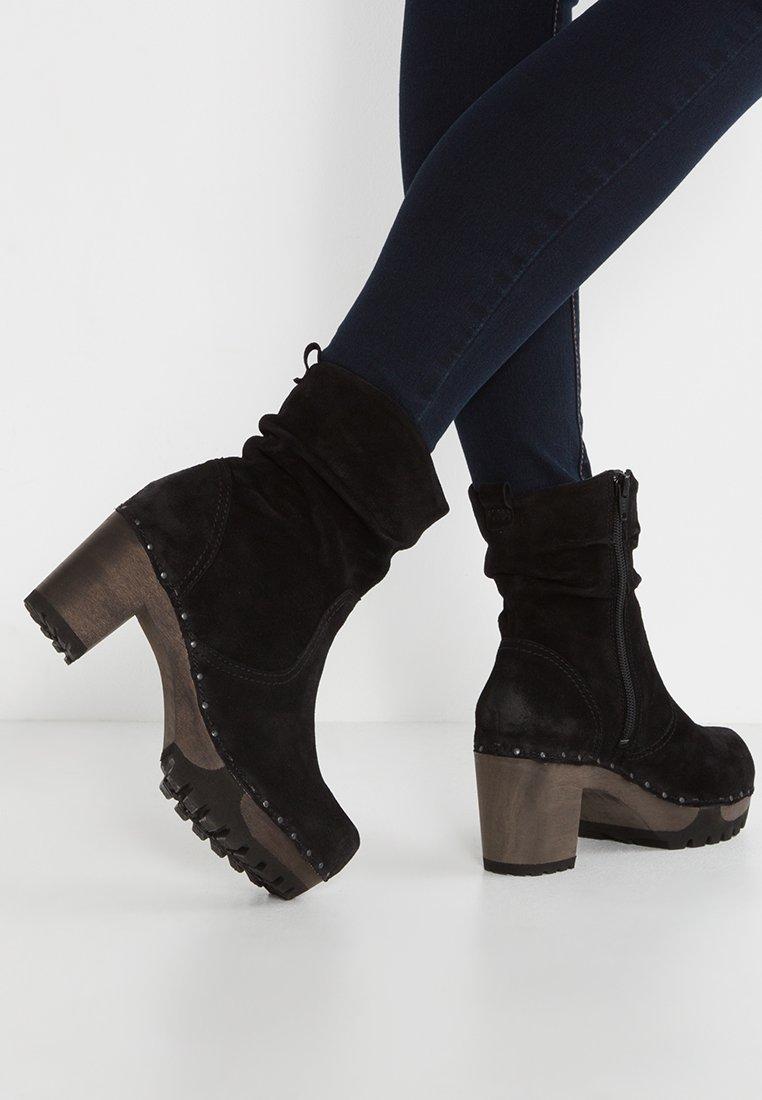 Softclox - BOOTIE - Platform ankle boots - bailey schwarz