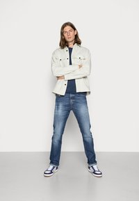 Diesel - D-VIKER - Straight leg jeans - 09a92 01 - 1