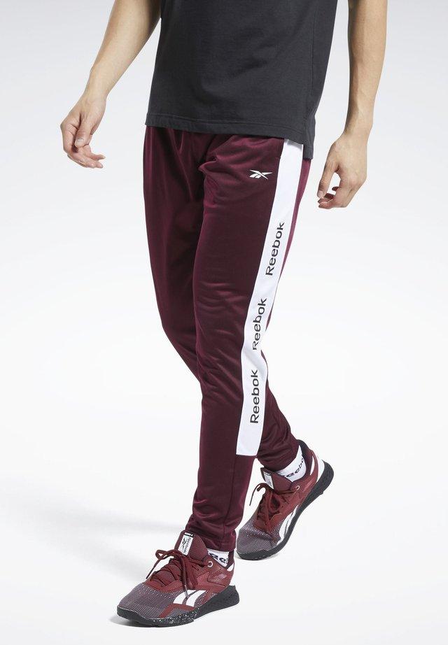 TRAINER ESSENTIALS TRACK JOGGERS - Spodnie treningowe - burgundy