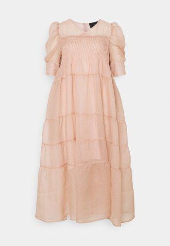 SILLA DRESS - Cocktailjurk - light pink