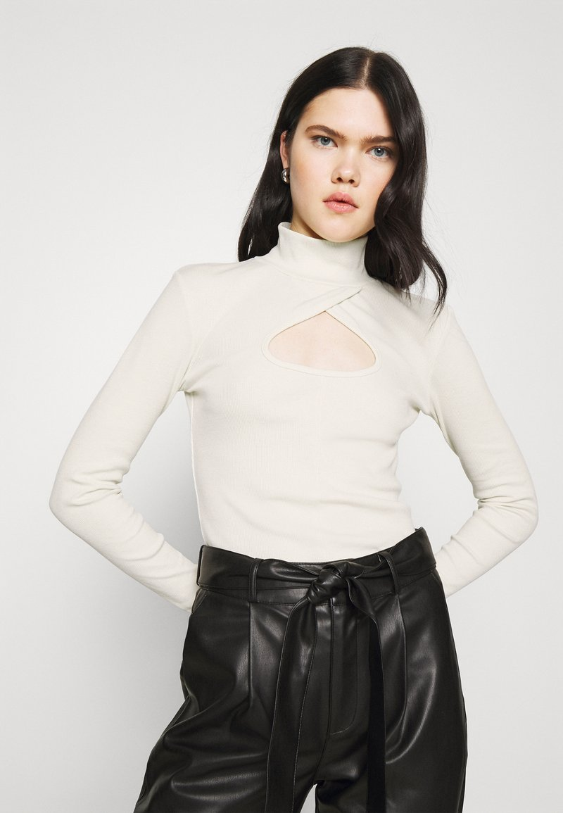 Nly by Nelly - KEYHOLE TURTLENECK - Long sleeved top - offwhite