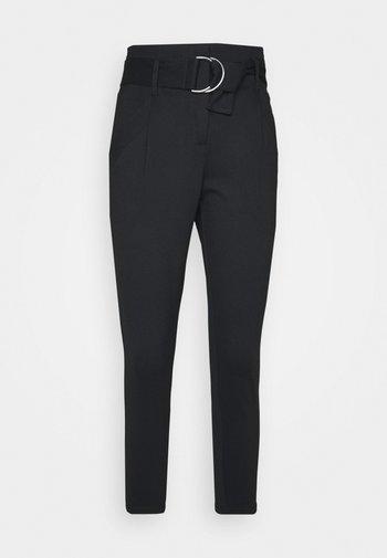 VMBAILEY PAPERBAG BELT PANTS - Trousers - black