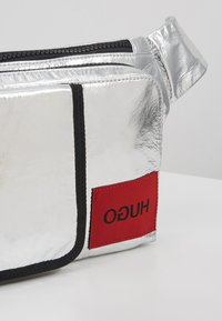 HUGO - KOMBINAT BUMBAG - Bum bag - silver - 8