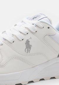 Polo Ralph Lauren - ACTIVE TRCKSTR PONY UNISEX - Sneakers - white - 5