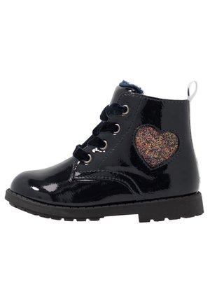Šněrovací kotníkové boty - dark blue