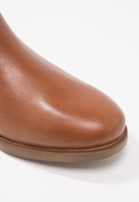 Clarks - TAYLOR SHINE - Ankle boots - brun - 6