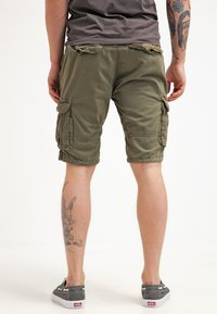 INDICODE JEANS - MONROE - Shorts - army - 2
