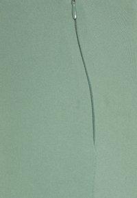 Weekday - JULIA FLUID TROUSER - Pantalones - dark green - 2