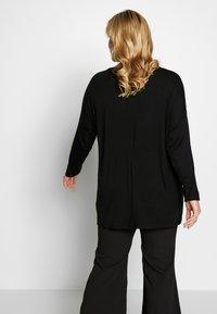 Dorothy Perkins Curve - BATWING SLEEVE DETAIL TEE - Langærmede T-shirts - black - 2