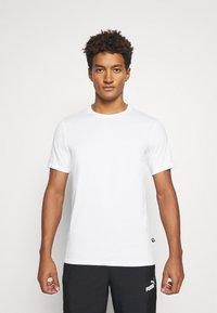 Puma - MODERN BASICS TEE - Print T-shirt - puma white - 0