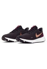Nike Performance - REVOLUTION 5 - Neutral running shoes - black/night maroon/metallic copper - 2