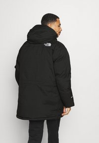 The North Face - RECYCLED MCMURDO UTILITY - Untuvatakki - black - 3
