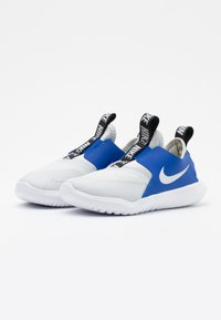 Nike Performance - FLEX RUNNER - Neutral running shoes - photon dust/metallic silver/game royal/black - 1