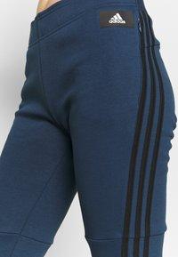 adidas Performance - ADIDAS SPORTSWEAR 3-STRIPES SKINNY PANTS - Joggebukse - crenav/hazblu - 3