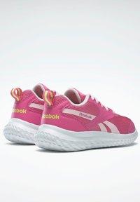 Reebok - Stabilty running shoes - pink - 3