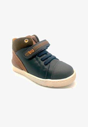 BOTA BIOMECANICS - Zapatos de bebé - azul