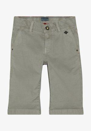 RAIMO - Shorts - sand