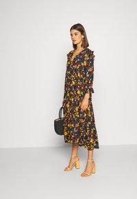 ONLY - ONLNALINA DRESS - Robe chemise - black - 1