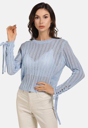 Stickad tröja - hellblau