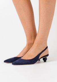 WEEKEND MaxMara - VACILLO - Classic heels - nachtblau - 0