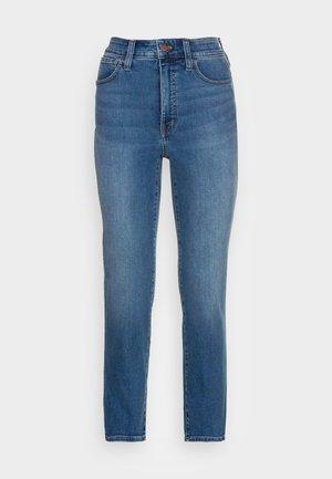 CURVY ROADTRIPPER STOVEPIPE - Slim fit jeans - glynn