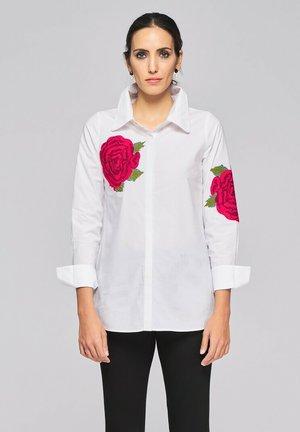 MANGA LARGA - Overhemdblouse - blanco