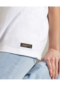 Superdry - MILITARY - Print T-shirt - brilliant white - 2